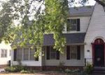 Foreclosed Home in Hutchinson 67502 W 18TH AVE - Property ID: 4045773569
