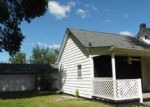 Foreclosed Home in Canton 61520 N 11TH AVE - Property ID: 4046439727