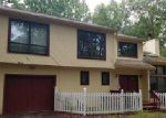 Foreclosed Home in East Stroudsburg 18301 ROBINWOOD TER - Property ID: 4047667811
