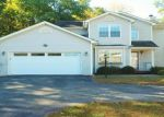 Foreclosed Home in Poughkeepsie 12603 AUTUMN DR - Property ID: 4059189586