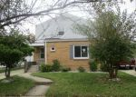 Foreclosed Home in Racine 53405 HAYES AVE - Property ID: 4059547413