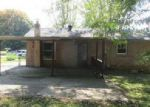 Foreclosed Home in Clarksville 37040 HAYES ST - Property ID: 4063218502