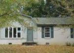 Foreclosed Home in Clarksville 37042 ORLEANS DR - Property ID: 4063219832