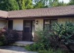 Foreclosed Home in Rockford 61103 FERNCLIFF BLVD - Property ID: 4063828611
