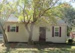 Foreclosed Home in Clarksville 37040 GREENFIELD DR - Property ID: 4065422393