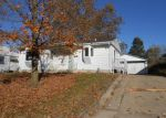Foreclosed Home in Waterloo 50703 KEYSTONE ST - Property ID: 4066479667