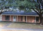 Foreclosed Home in Baton Rouge 70818 LAWNDALE DR - Property ID: 4067264963