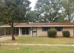 Foreclosed Home in Baton Rouge 70815 CHALICE DR - Property ID: 4067265389