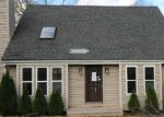 Foreclosed Home in Waterbury 06704 CHIPPER RD - Property ID: 4069042244
