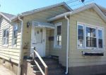 Foreclosed Home in Island Park 11558 HASTINGS RD - Property ID: 4070490632