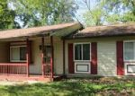 Foreclosed Home in Indianapolis 46260 WOODMERE CIR - Property ID: 4073260820
