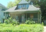 Foreclosed Home in Waterloo 50703 LOGAN AVE - Property ID: 4075231704