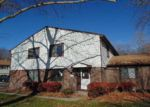 Foreclosed Home in Lansing 48911 HUNTERS RIDGE DR - Property ID: 4076268831