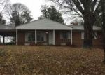 Foreclosed Home in Kingsport 37663 BEECHWOOD DR - Property ID: 4079215958