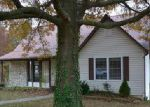 Foreclosed Home in Jefferson City 65109 COUNTRY CLUB DR - Property ID: 4081404952