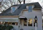 Foreclosed Home in Waterbury 06705 WHITE OAK LN - Property ID: 4084456298