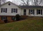 Foreclosed Home in Charlotte 28214 PAWTUCKETT RD - Property ID: 4085340127