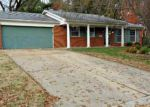 Foreclosed Home in Belleville 62221 WILLIAMSBURG DR - Property ID: 4085565246
