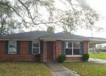 Foreclosed Home in Chalmette 70043 COCHRANE DR - Property ID: 4089434316