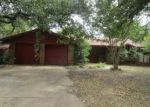 Foreclosed Home in Fort Worth 76112 CANTERBURY CIR - Property ID: 4090018581