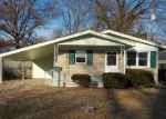 Foreclosed Home in Evansville 47714 MADISON AVE - Property ID: 4092027116