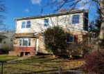 Foreclosed Home in Westbury 11590 DIVISION ST - Property ID: 4092341593