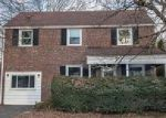 Foreclosed Home in Drexel Hill 19026 IRVINGTON RD - Property ID: 4092423941