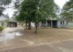 Foreclosed Home in Magnolia 71753 BEECH - Property ID: 4096183501