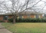 Foreclosed Home in Duncanville 75116 KENNEDY AVE - Property ID: 4096971414
