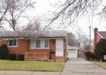 Foreclosed Home in Garden City 48135 DOVER ST - Property ID: 4100907936