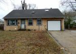 Foreclosed Home in Trenton 08618 GLEN CLAIR DR - Property ID: 4102335275