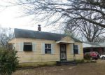 Foreclosed Home in Memphis 38111 BARRON AVE - Property ID: 4102439517