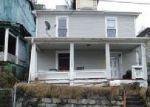 Foreclosed Home in Williamson 25661 ALDERSON ST - Property ID: 4104120913