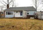 Foreclosed Home in Meriden 06450 SYLVESTER ST - Property ID: 4104815982