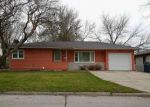 Foreclosed Home in Waterloo 50702 LORETTA AVE - Property ID: 4104904438