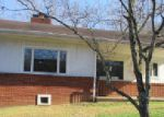 Foreclosed Home in Pineville 40977 CEDAR ST - Property ID: 4112332474