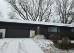 Foreclosed Home in Waterloo 50701 MEADOW LN - Property ID: 4114023492