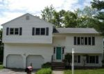 Foreclosed Home in Waterbury 06706 SPRUCEDALE DR - Property ID: 4114904252