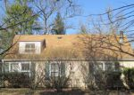 Foreclosed Home in Mchenry 60050 BULL VALLEY RD - Property ID: 4115085583