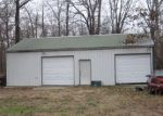 Foreclosed Home in Poplar Bluff 63901 COUNTY ROAD 414 - Property ID: 4115981229