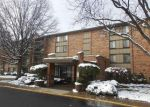 Foreclosed Home in Willowbrook 60527 LAKE HINSDALE DR - Property ID: 4116145477