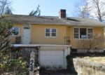 Foreclosed Home in New Fairfield 6812 INGLENOOK RD - Property ID: 4116830469