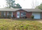 Foreclosed Home in Jonesboro 72401 DANA DEBBIE ST - Property ID: 4117003917