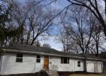 Foreclosed Home in Aurora 60505 PEARL ST - Property ID: 4118170224