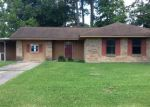 Foreclosed Home in Vidor 77662 HICKORY ST - Property ID: 4118523232