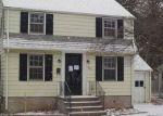 Foreclosed Home in Waterbury 06708 FERN CIR - Property ID: 4118957712