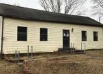 Foreclosed Home in Glasgow 42141 CHEATHAM ST - Property ID: 4120452965