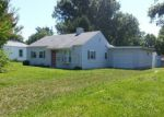 Foreclosed Home in Belleville 62221 MUREN BLVD - Property ID: 4120498956