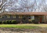 Foreclosed Home in Birmingham 35228 PINEVIEW RD - Property ID: 4120639525
