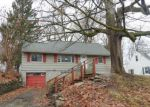 Foreclosed Home in Syracuse 13219 SUTTON DR - Property ID: 4121018824